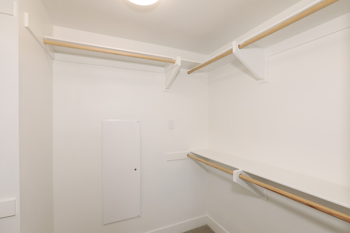 Plan A1: Walk-in-closet