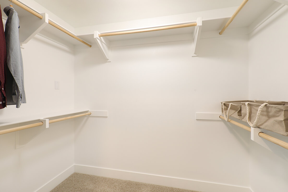 Plan B3: Walk-in-closet