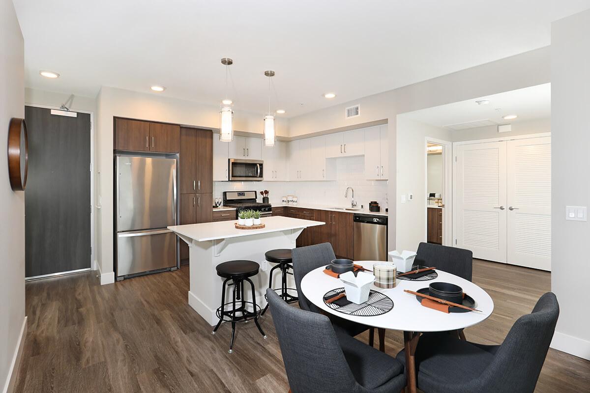 Plan B3: Kitchen/Dining