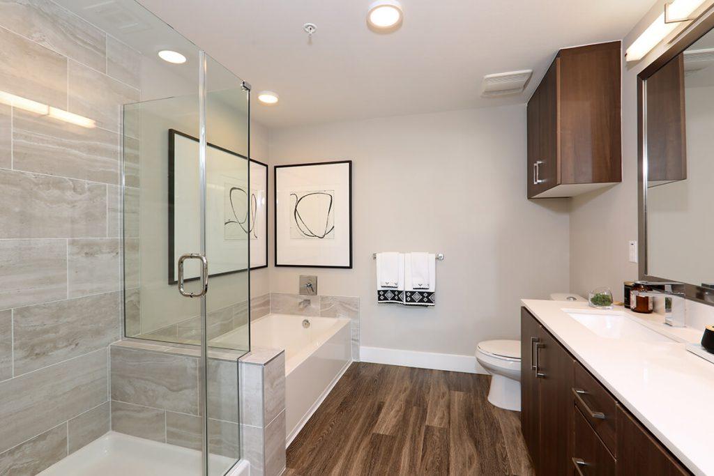 Plan B4: Master Bath