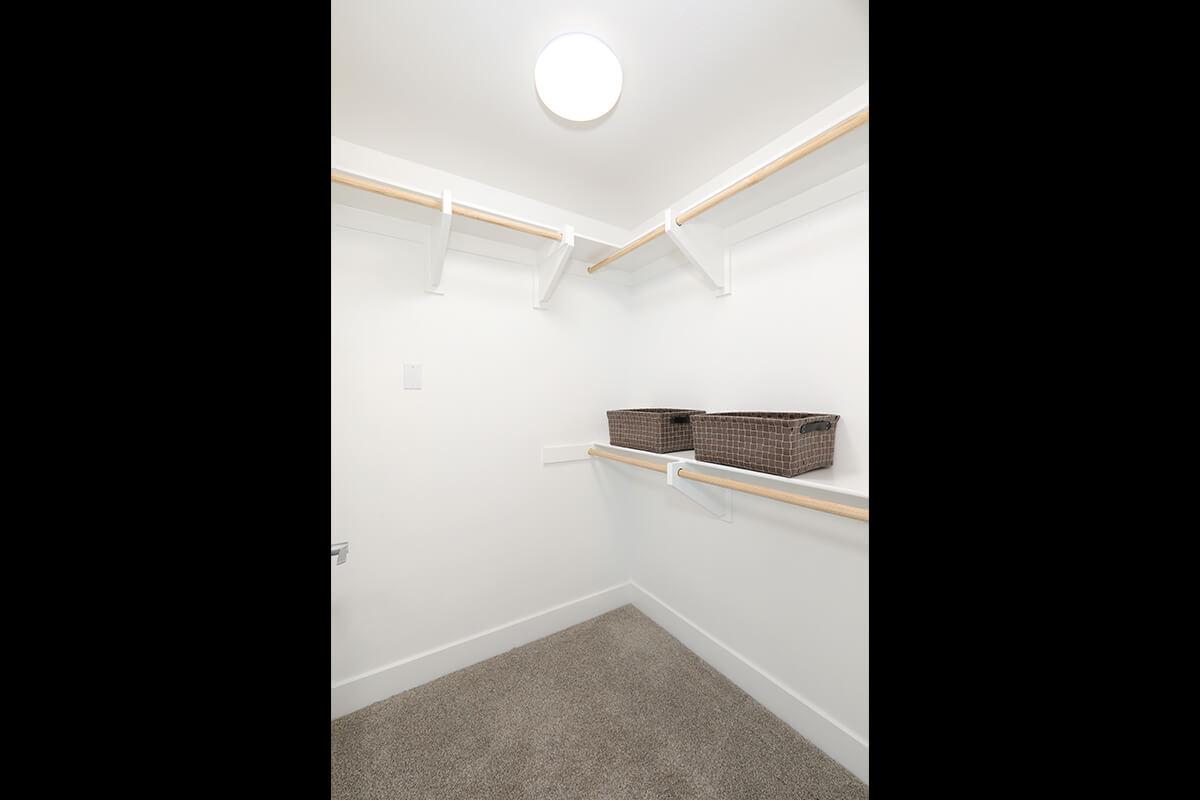 Plan B4: Walk-in-closet